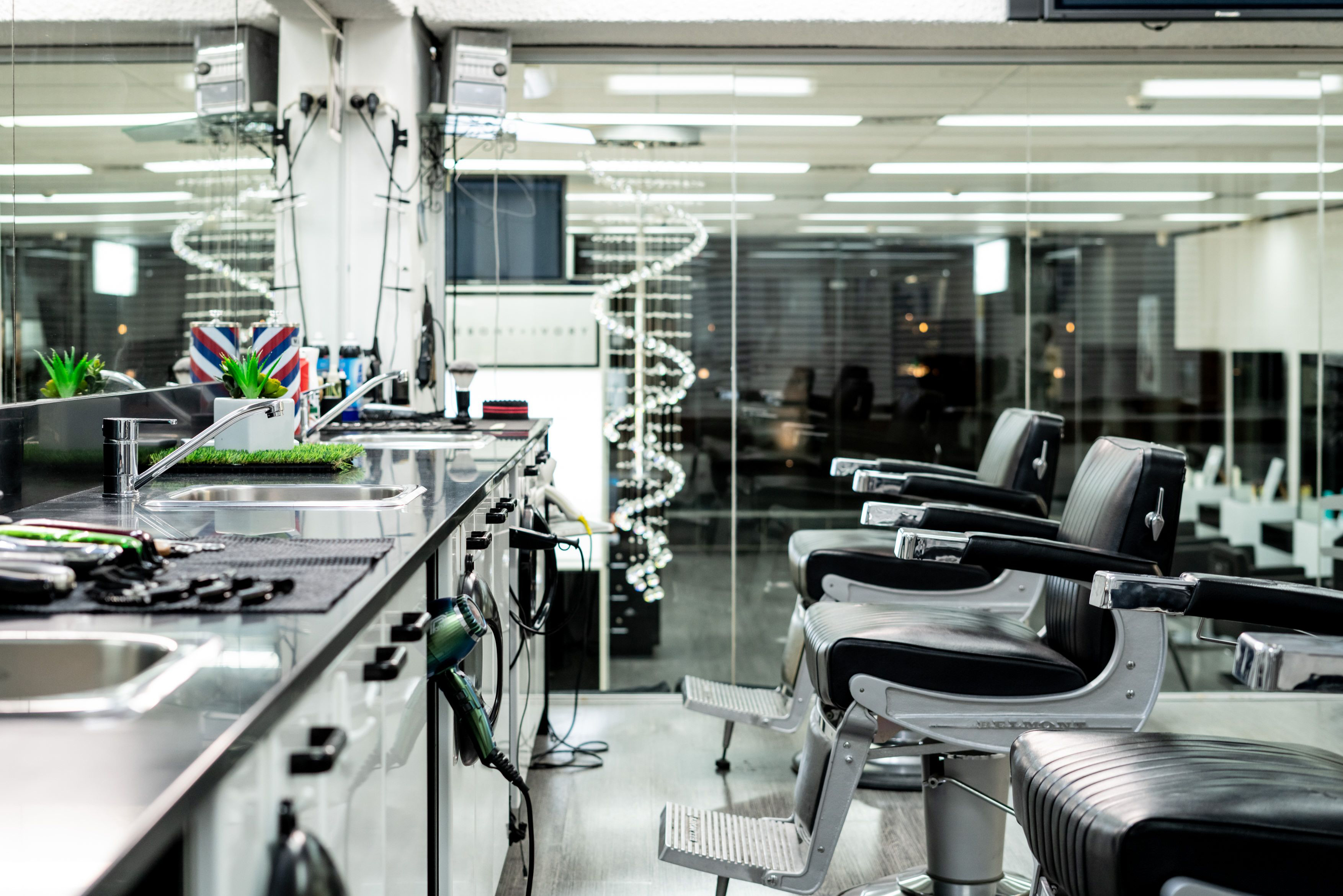 ebony-and-ivory-hair-and-beauty, perth-salon, salon-feature, Joan-Dellavelle